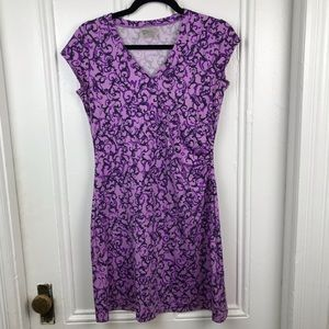 Athleta purple pattern v neck dress short sleeve